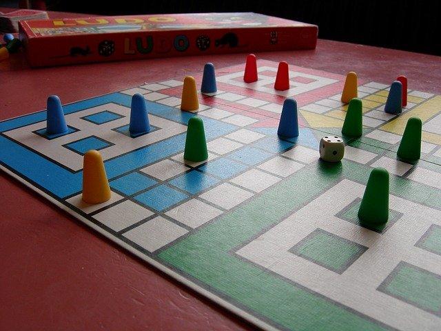 Beneficios De Los Juegos De Mesa En La Tercera Edad