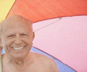 Personas mayores en verano grupo los nogales