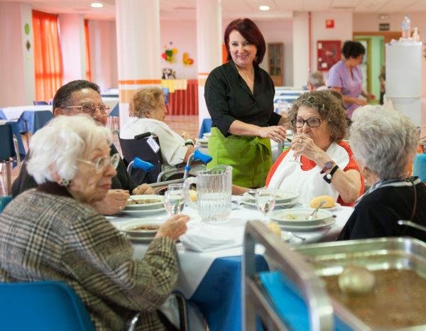 Cinco claves para mejorar la alimentación de las personas mayores
